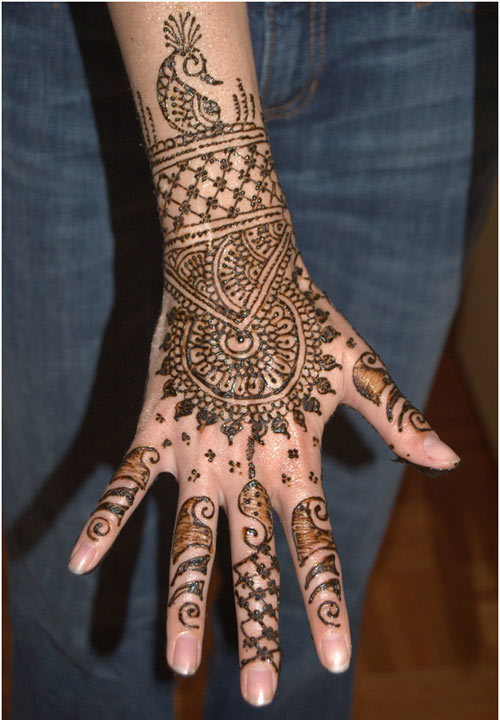 complex mehndi design for hands