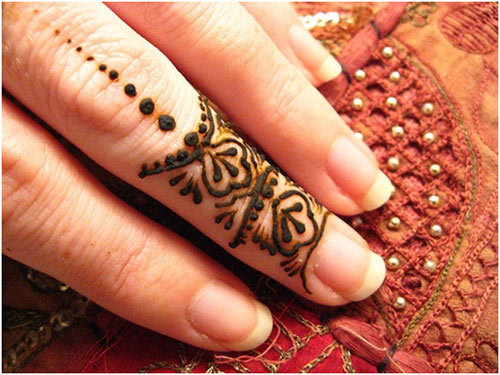 28 easy and simple mehndi designs that you should try in 2018 engagement occasion mehndi pinit solutioingenieria Image collections