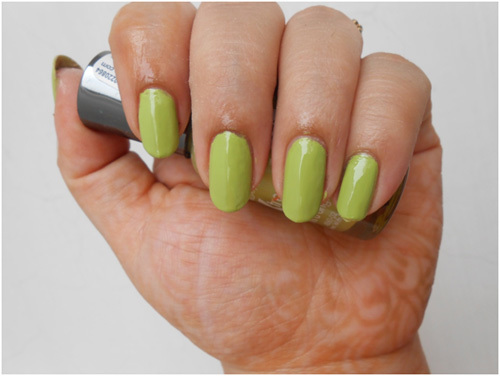 Nail Art With Green Polish Hession Hairdressing