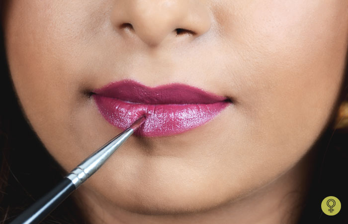 How To Make Your Lipstick Matte? - Step 1: Apply Lip Liner