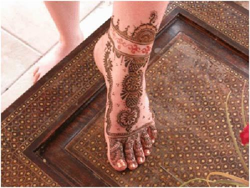 mehndi designs for left feet