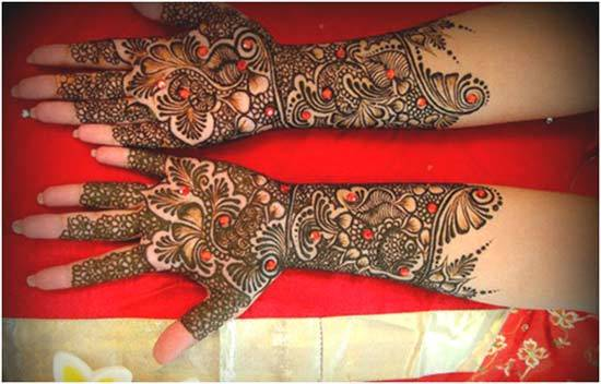 pick and black mehndi