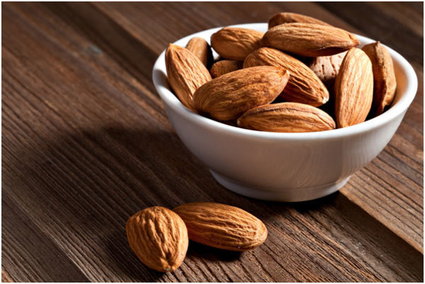 skin benefits of almonds