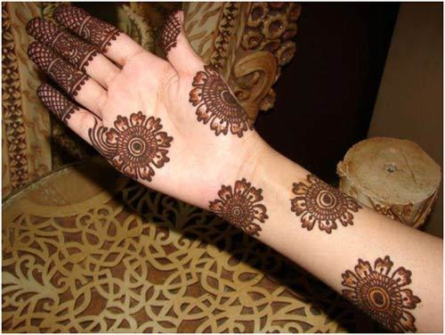 Mehndi Flower Designs For Hands : 30 breathtaking arabic mehndi designs to try in 2018