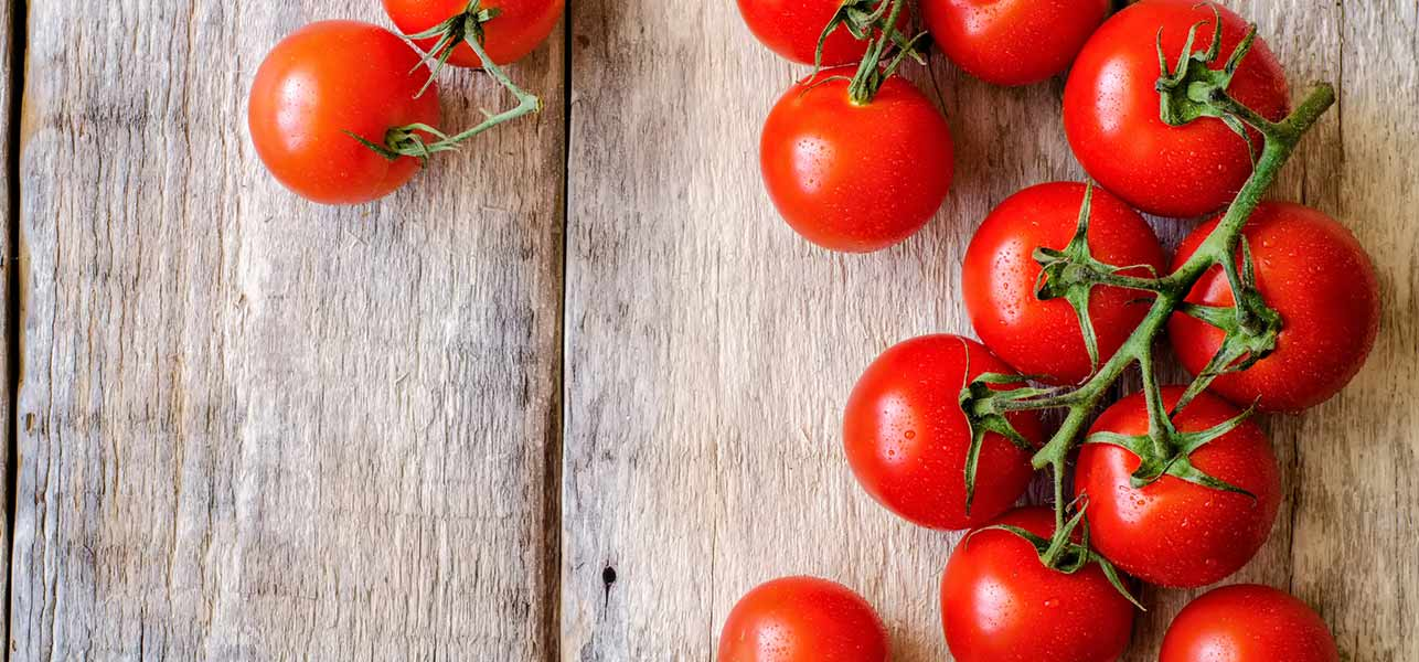 18 Amazing Benefits Of Tomatoes For Skin, Hair, And Health