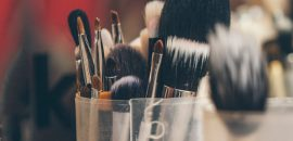 5 Types Of Eyeliner Brushes And Their Uses