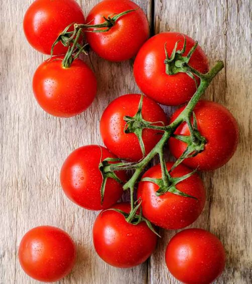 296-18-Amazing-Health-Benefits-Of-Tomatoes-497181099