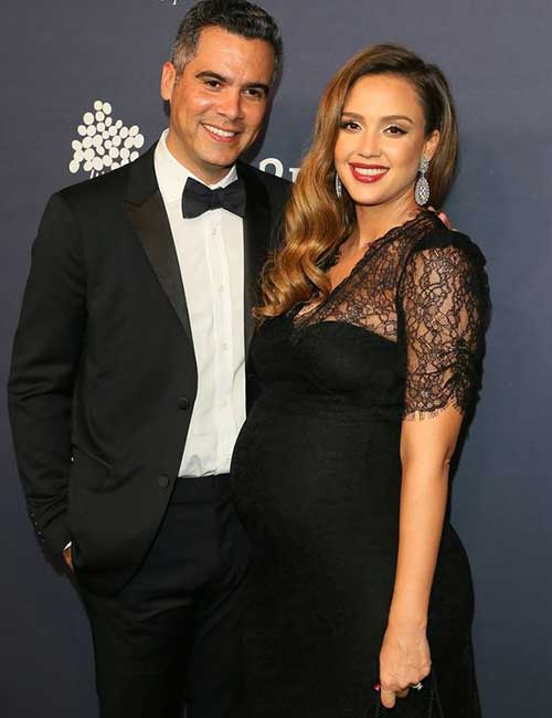 Pregnant Celebrities - Jessica Alba
