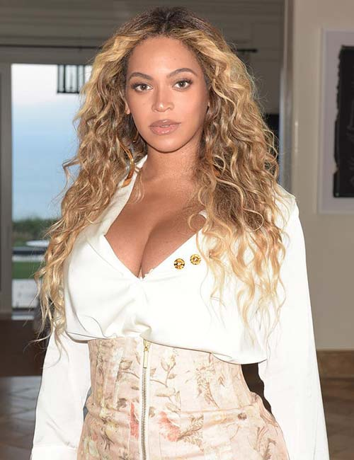 7. Beyonce Knowles - Glamorous Woman In The World