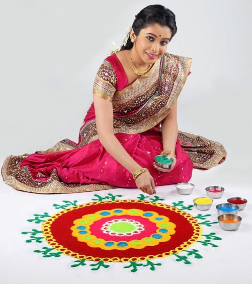 25 Rangoli Designs With Dots To Try In 2015