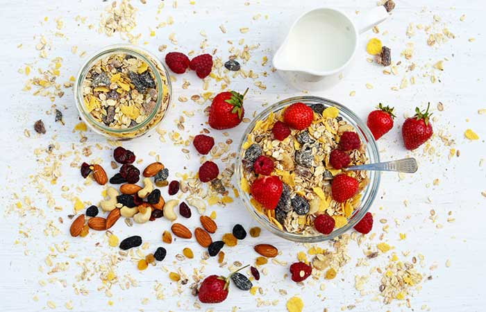 Diet Recipes For Weight Loss - Oats With Berries And Nuts