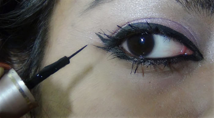 Bollywood-Inspired-Eye-Makeup-–-Step-By-Step-Tutorial-With-Images14