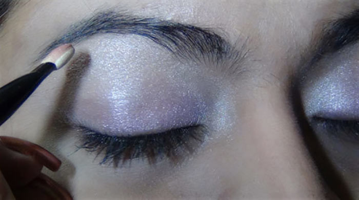 Bollywood-Inspired-Eye-Makeup-–-Step-By-Step-Tutorial-With-Images15