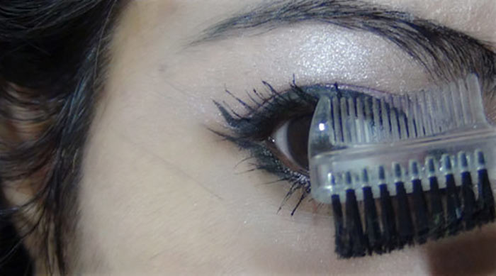Bollywood-Inspired-Eye-Makeup-–-Step-By-Step-Tutorial-With-Images16