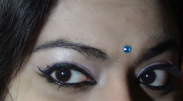 Bollywood-Inspired-Eye-Makeup-–-Step-By-Step-Tutorial-With-Images18