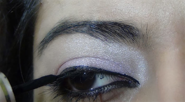 Bollywood-Inspired-Eye-Makeup-–-Step-By-Step-Tutorial-With-Images21