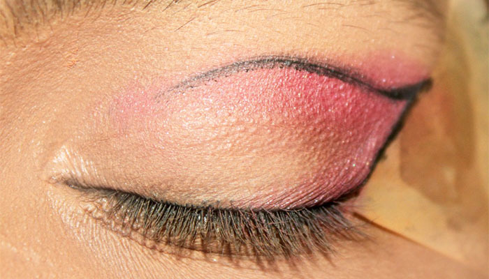 Bollywood Inspired Eye Makeup – Step By Step Tutorial With Images22