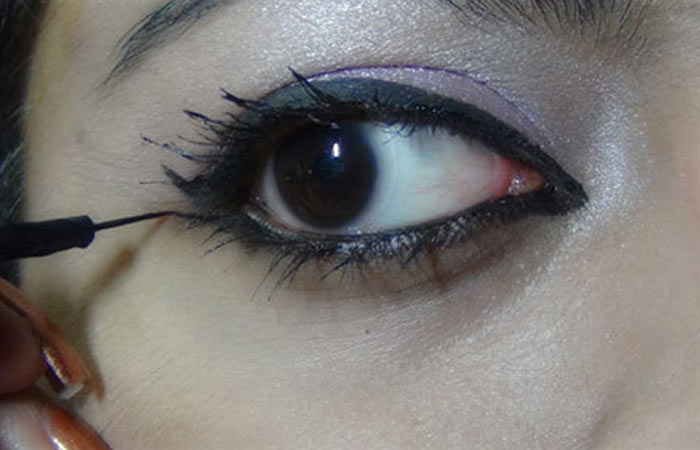 http://cdn2.stylecraze.com/wp-content/uploads/2013/05/Bollywood-Inspired-Eye-Makeup-–-Step-By-Step-Tutorial-With-Images4.jpg