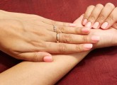 How-To-Do-The-French-Manicure-At-Home