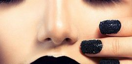 How-To-Wear-Black-Lipstick