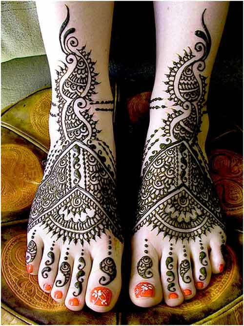 black mehndi design for feet