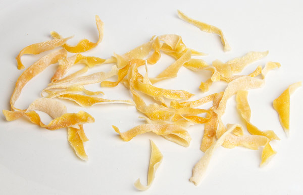 eat lemon peel