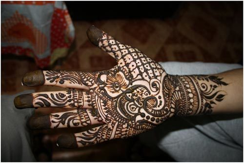 mehndi design for right hand