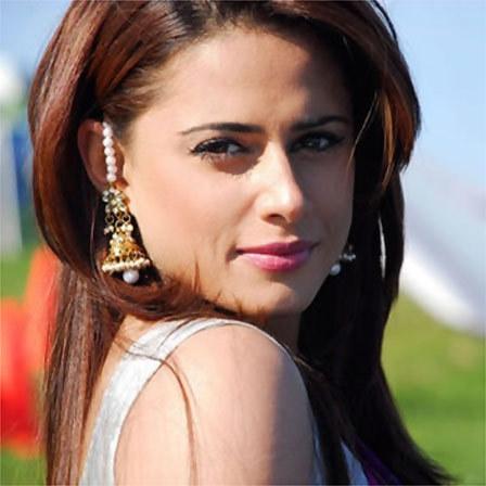 Mehreen Raheel Hot Look