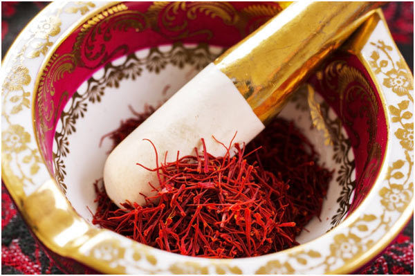 saffron hair benefits