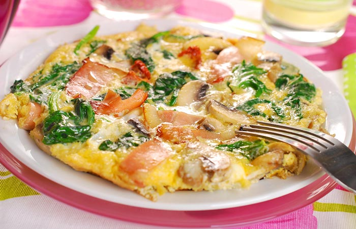 Low-Carb Diet - Spinach And Mushroom Omelet With Cheese