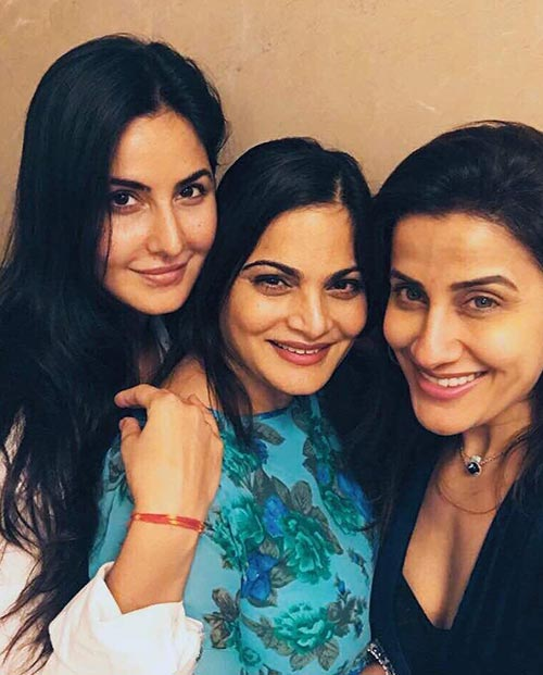 Katrina Kaif is Enjoying A Day with Her Friends