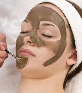 14 Amazing Benefits Of Multani Mitti For Face, Skin, And Health