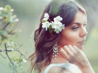 13 Most Popular Hairstyles For Reception