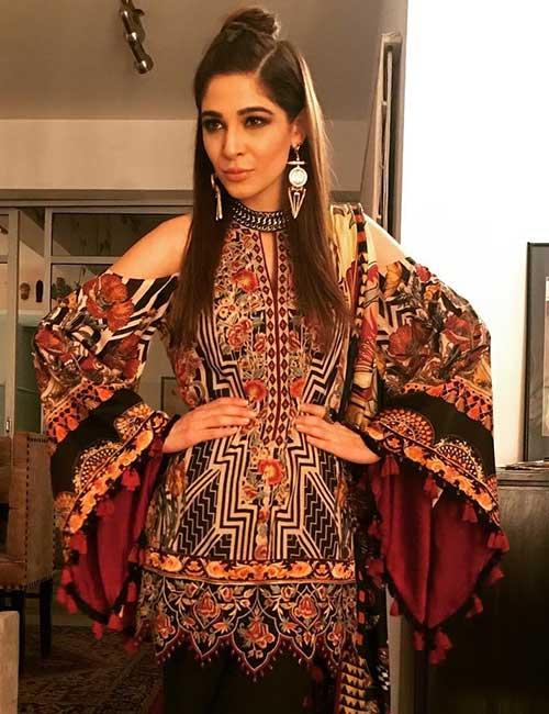 Beautiful Pakistani Women - Ayesha Omar
