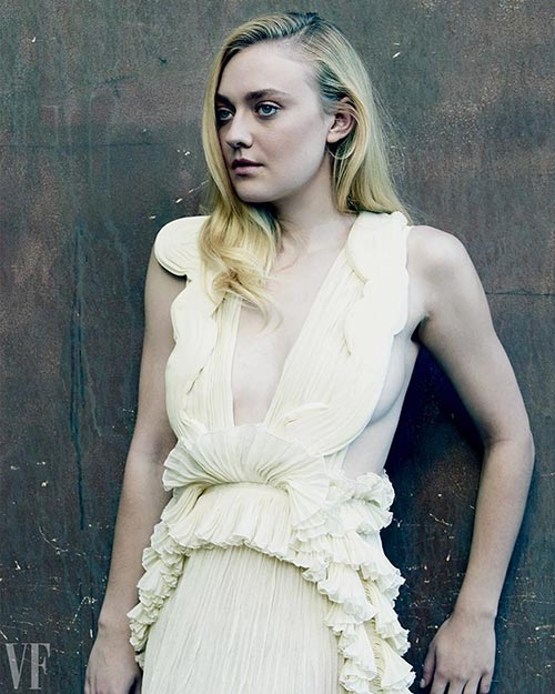 34. Dakota Fanning - Beautiful American Girl