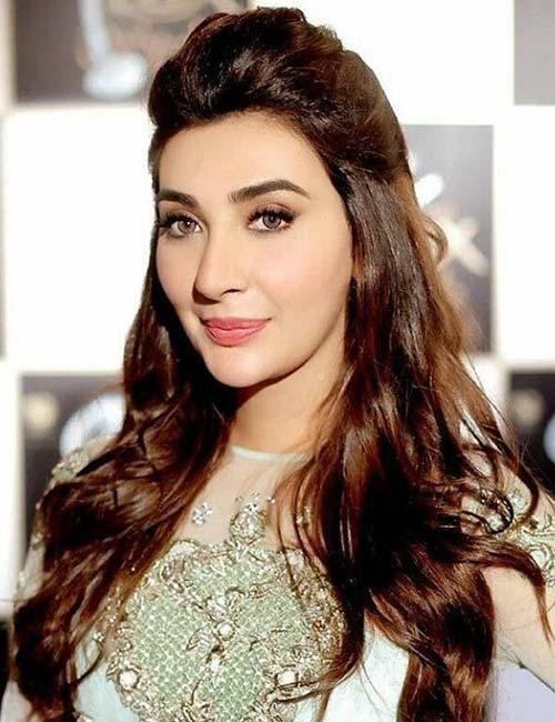 Most Beautiful Ladies in Pakistan - Ayesha Khan
