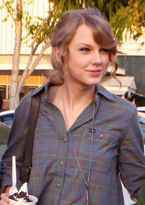 Taylor Swift Without Makeup Top 10 Pictures