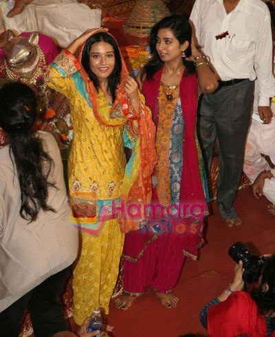 Amrita Rao with Shreya Ghosal
