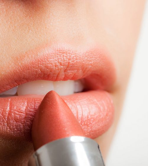 Best-Pink-Lipsticks-Available-In-India-–-Our-Top-10