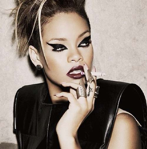 Rihanna Love Tattoo On Her Finger