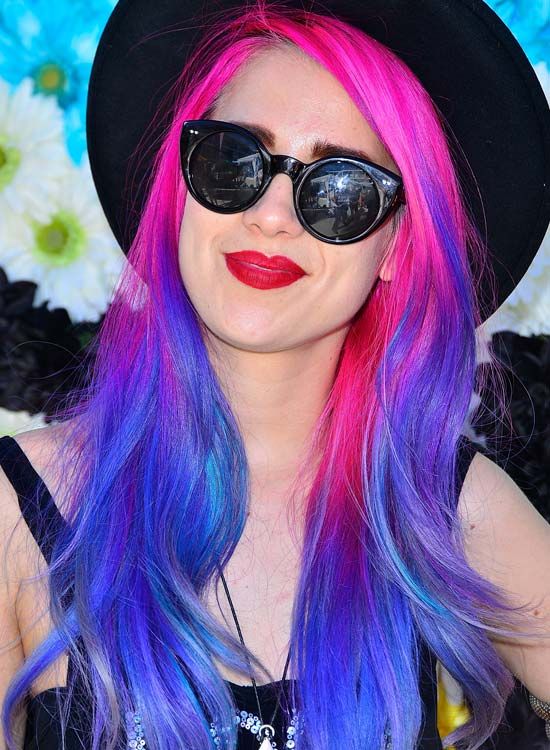 Pink-and-Blue-Long-Waves-with-Hat
