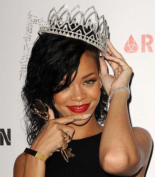 Rihanna Shhh Tattoo On Her Finger