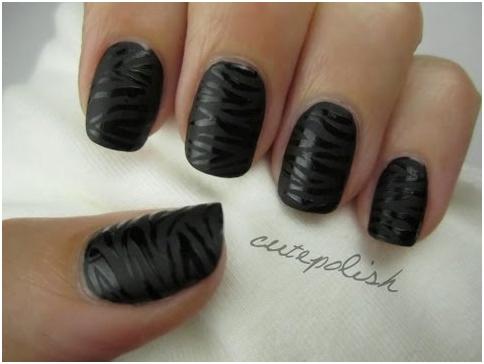 Shiny zebra nails