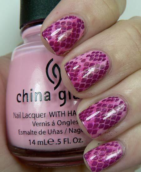 snake nail art in pink