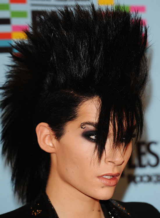 Voluminous-Straight-Mohawk-with-Straight-Fringes