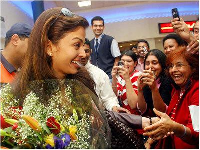 Aishwarya Rai Real Life Picture Without Makeup