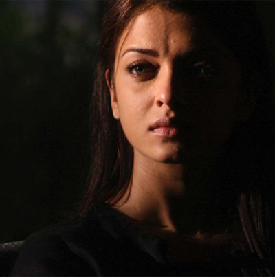 Aishwarya Rai With Hazel Eyes In Sarkar Raj