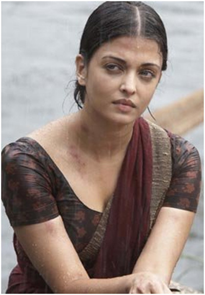 Aishwarya Rai No Makeup Look In Saree From The Movie - Raavan
