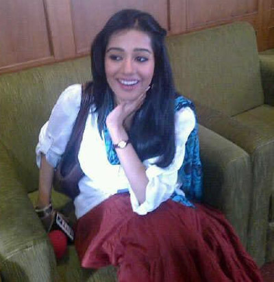 amrita rao Dressed in an indo western outfit