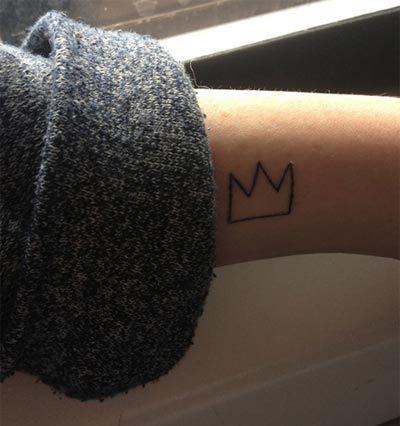 crown outline tattoo